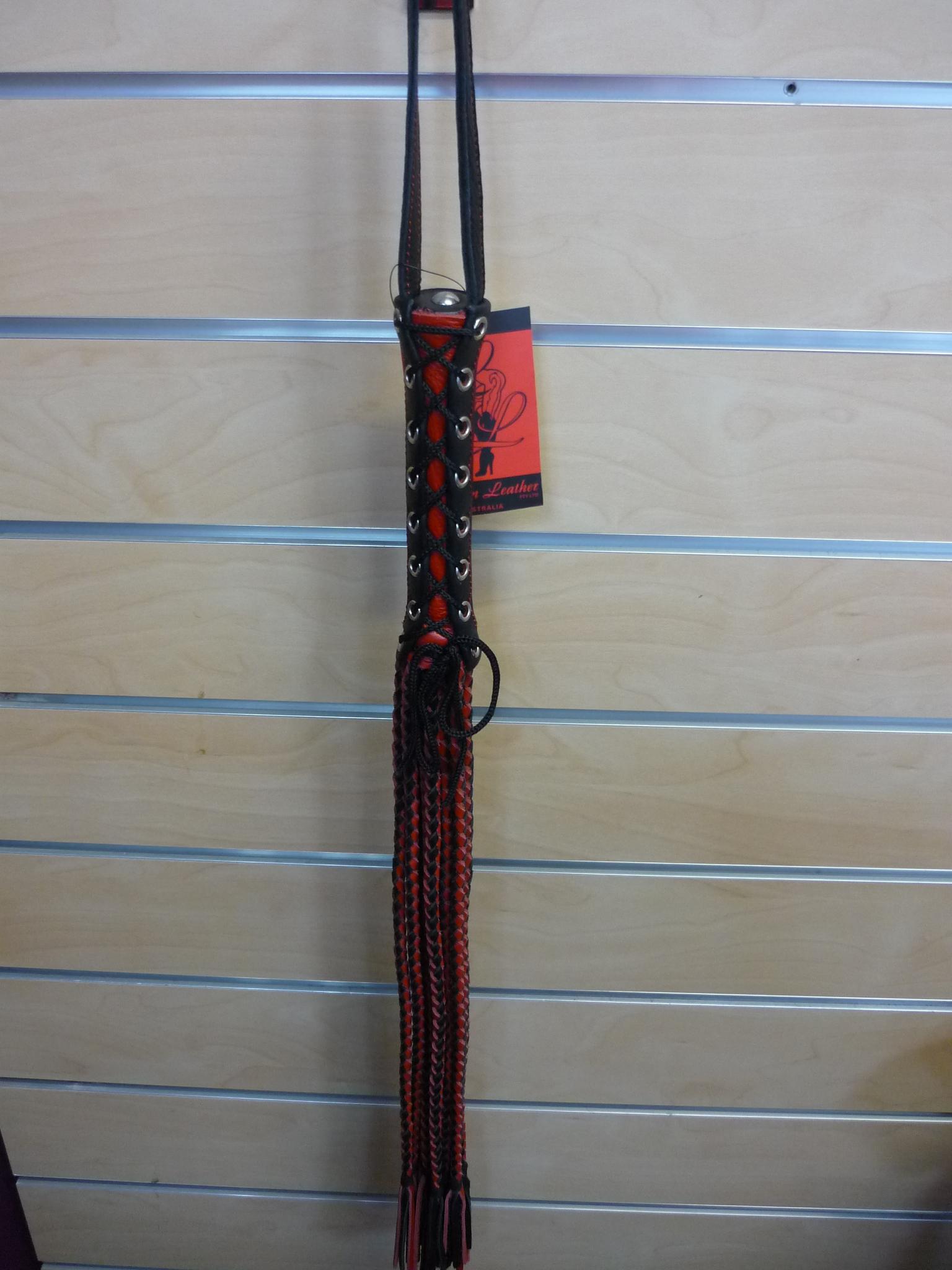 Plaited Flogger Red/Black